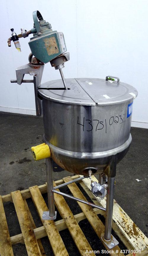 """Used- Lee Industries Kettle, 30 Gallon, Model 30D, 304 Stainless Steel. Approximate 23"""" diameter x 22-1/2"""" deep. 1 Piece hin..."""