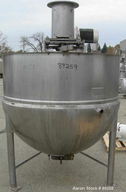 """USED: Lee kettle, 500 gallon, model 500D7S, 316 stainless steel, vertical. Approximate 60"""" diameter x 50"""" deep. Jacketed hem..."""