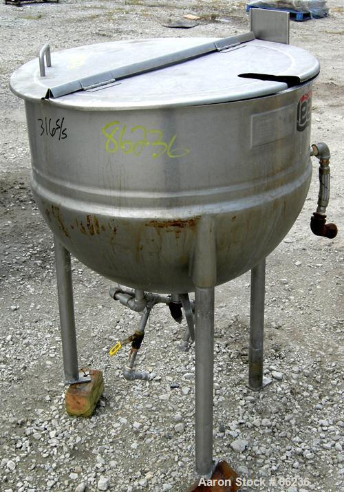 "USED: Lee kettle, 50 gallon, model 50D, 321 stainless steel. 29-1/2"" diameter x 24"" deep. Open top with 2 piece cover, jacke..."