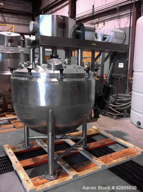 Used- Lee Vacuum Kettle, 200 Gallon, Model D9MT, 316 Stainless Steel. 48'' Diameter x 36'' deep 32-40 RA finish. Internal ra...