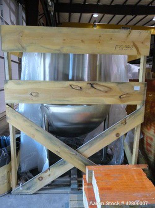 Used- Lee Kettle, 500 Gallon, Model D, 316 Stainless Steel. 56'' Diameter x 61'' deep #4 Finish. Open top no cover, Jacketed...