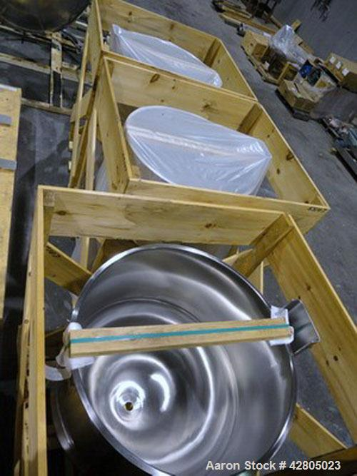 Unused- Lee Kettle, 120 Gallon, Model D, 316 Stainless Steel. 36'' Diameter x 36'' deep #4 Finish. Open top no cover, Jacket...