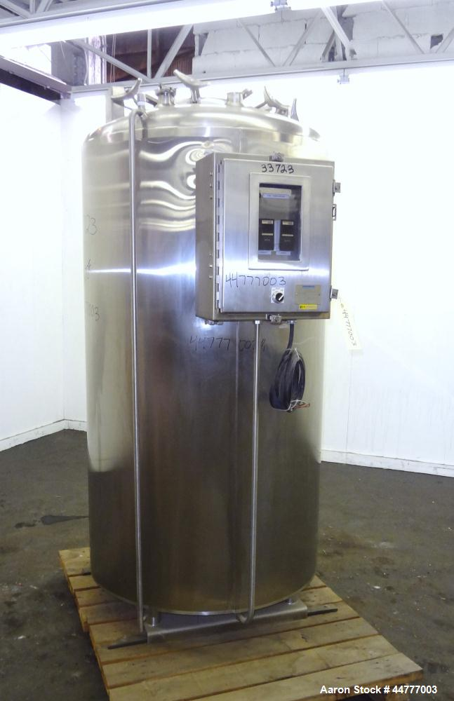 "Used- Mueller Electrically Heated Vacuum Kettle, 200 Gallon, Model F, 316L Stainless Steel, Vertical. 34"" Diameter x 47-1/2""..."