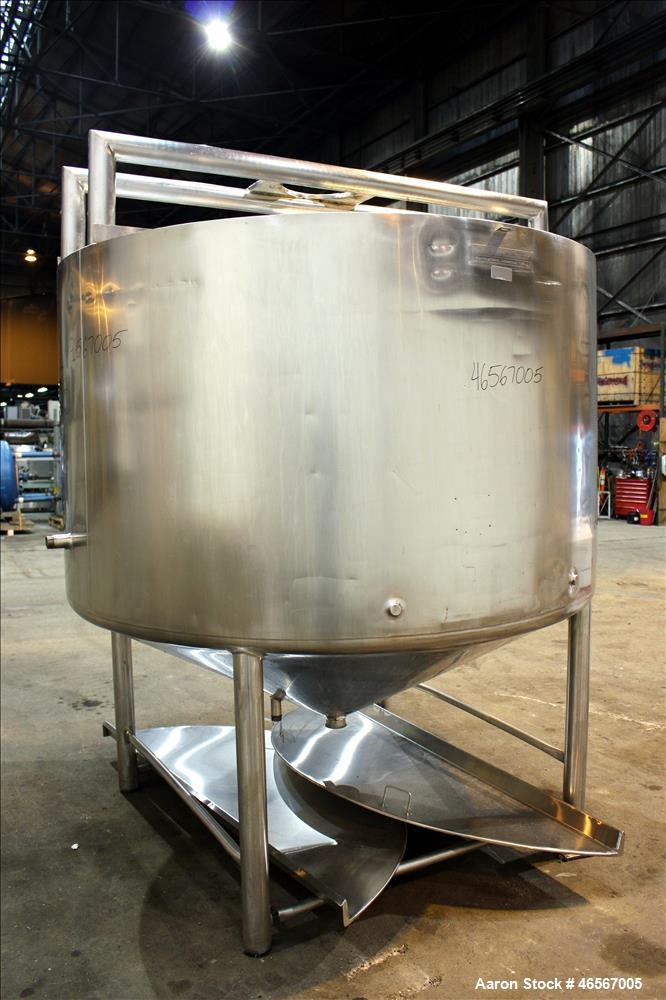 "Used- Mueller Processor/Kettle, Model PCPC, 1,000 Gallon, 304 Stainless Steel, Vertical. Approximate 78"" diameter x 44"" stra..."