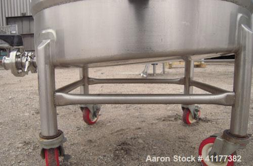"""Used- Kettle, 65 Gallon, 304 Stainless Steel, Vertical. 26-1/2"""" diameter x 29"""" straight side, open top with a 1 piece cover,..."""