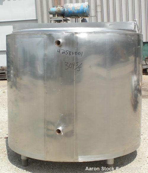 """Used- Kettle, Approximate 550 Gallon, 304 stainless steel, vertical. 60"""" Diameter x 45"""" straight side, open top with no cove..."""