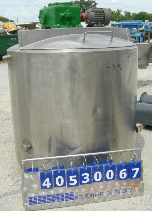 "Used - Kettle, 400 gallon, 304 stainless steel, vertical. Approximately 52"" diameter x 44"" straight side, dished top with a ..."