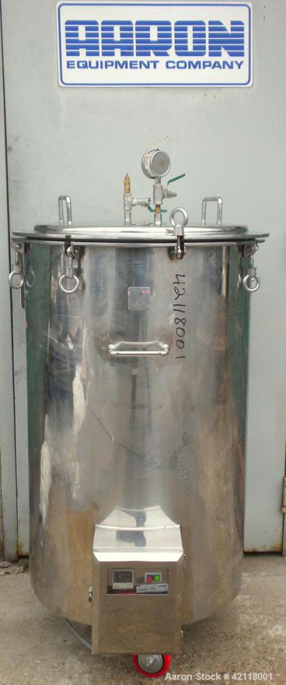 "Used- Kettle, 50 Gallon, 304 Stainless Steel, Vertical. 22"" diameter x 30"" straight side, open top with a 1 piece bolt down ..."