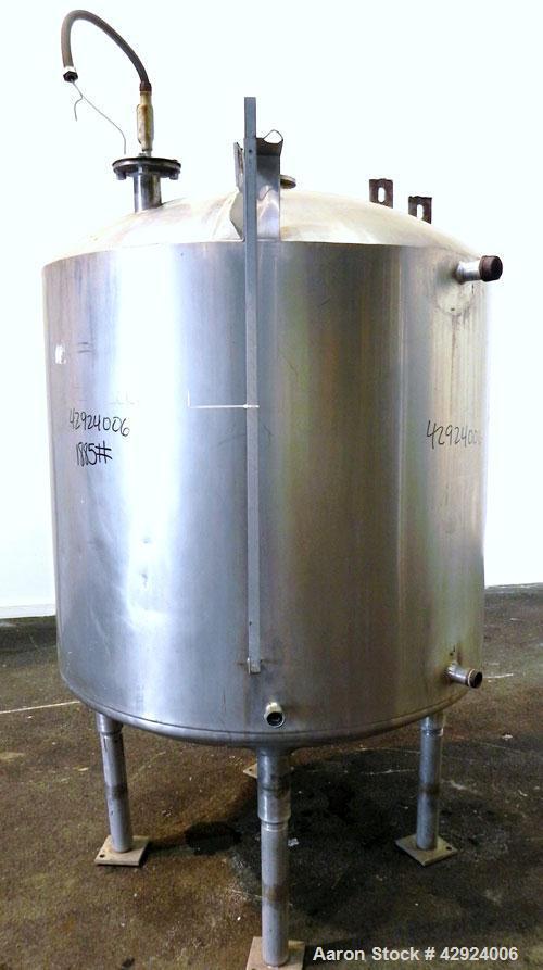 Used- Kettle, 300 Gallon, 304 Stainless Steel, Vertical. Approximate 45'' diameter x 48'' straight side, semi-hemispherical ...