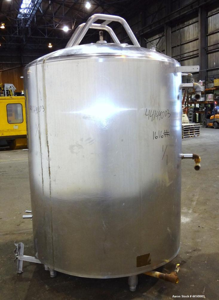 """Used- Processor Kettle, Approximate 650 Gallon, 304 Stainless Steel, Vertical. Approximate 56"""" diameter x 62"""" straight side...."""