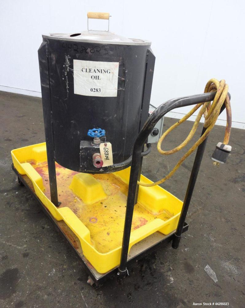 """Used- Sta-Warm Electrically Heated Compound Melter, 25 Gallon, Model 53WSSS, 304 Stainless Steel. 18-1/2"""" Diameter x 22"""" dee..."""