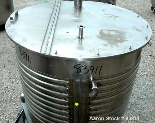 "USED: United Utensils kettle, 170 gallon, 316L stainless steel, vertical. 38"" diameter x 33"" straight side, open top with co..."