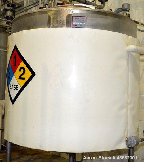 "Used- Viatec Dura-Tek Kettle, 718 Gallon, Model 718 GAL JFVD, 304 Stainless Steel, Vertical. Approximately 60"" diameter x 53..."