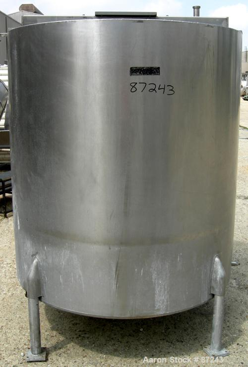 "USED: Viatec kettle, 533 gallon, 304 stainless steel, vertical. 52"" diameter x 58"" straight side. Open top, (2) 1/3 covers, ..."