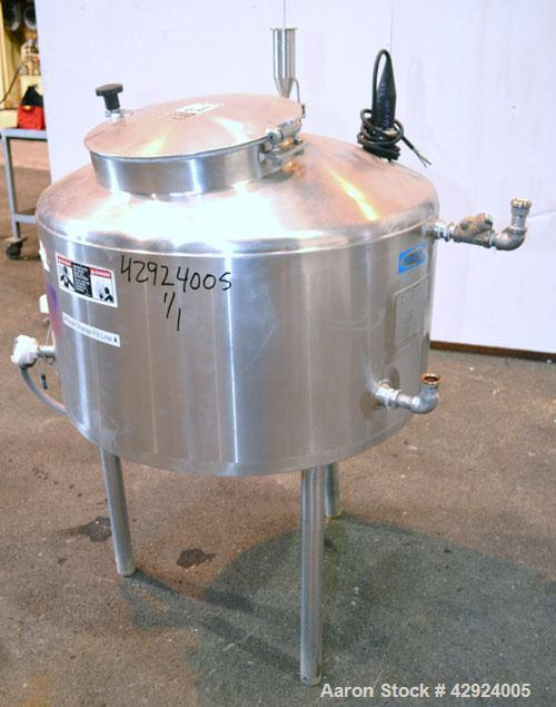 Used- Walker Stainless Kettle, 75 Gallon, 304 Stainless Steel, Vertical. 30'' Diameter x 20'' straight side, dished top, con...