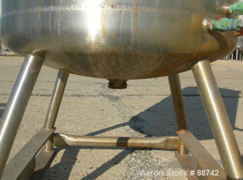 "USED: Walker Kettle, 100 Gallon, Model MELT, 316 Stainless Steel, Vertical.  28"" diameter x 34"" straight side, open top with..."