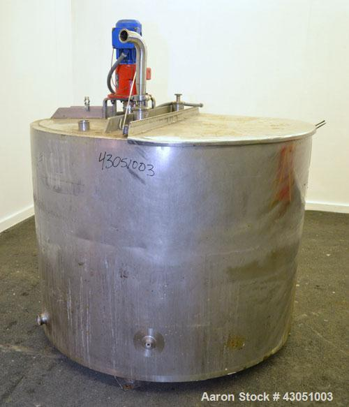 """Used- Walker Stainless Kettle, 400 Gallon, 304 Stainless Steel, Vertical. 56"""" Diameter x 38"""" straight side, flat top with a ..."""
