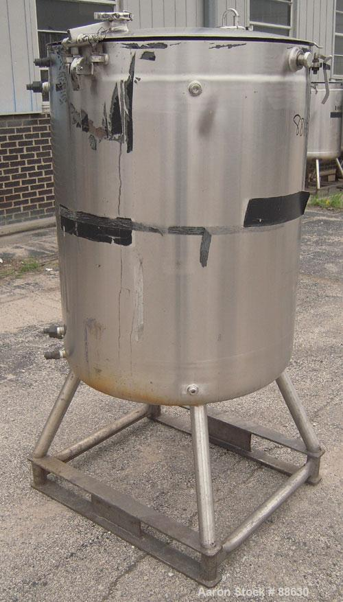 """USED:  Paul Mueller Kettle, 100 Gallon, 316 Stainless Steel, Vertical.  28"""" diameter x 34"""" straight side, open top with a 1-..."""