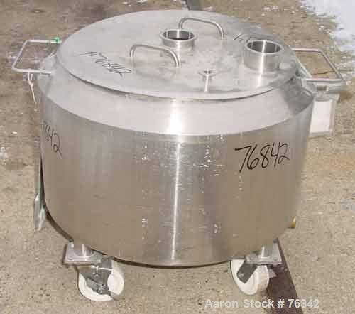 "USED: Waukesha kettle, 40 gallon, stainless steel, vertical. 27-7/8"" diameter x 12"" straight side x 15"" cone bottom. Open to..."