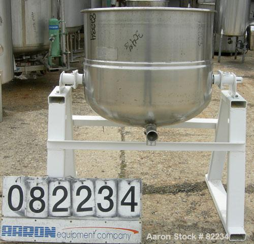 "USED: Welbilt kettle, 60 gallon, model KDL-60T, 304 stainless steel. 29-1/2"" diameter x 24"" deep. Open top with a cover, jac..."