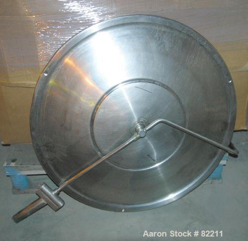"USED: Welbilt kettle, 80 gallon, model KDL-80T, 304 stainless steel. 33"" diameter x 27"" deep, open top with a cover, jackete..."
