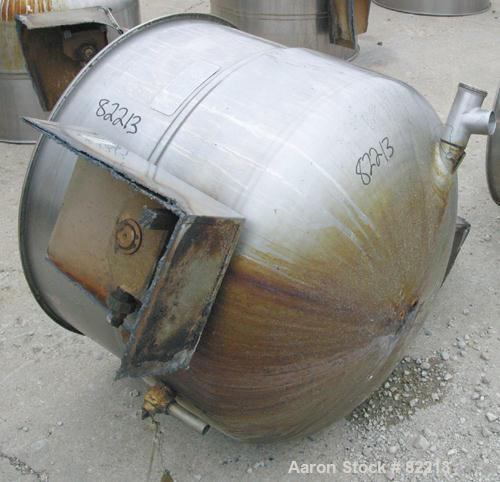 """USED: Welbilt kettle, 80 gallon, model KDL-80T, 304 stainless steel. 33"""" diameter x 27"""" deep, open top with a cover, jackete..."""