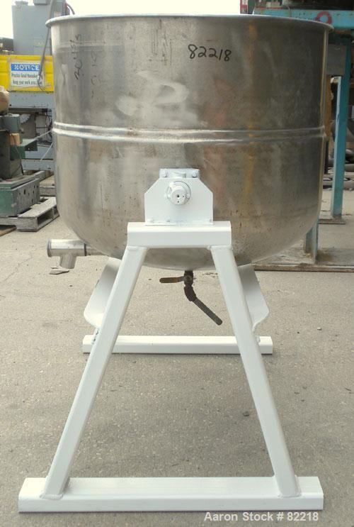 "Used- Welbilt Kettle, 80 Gallon, Model KDL-80T, 304 stainless steel. 33"" diameter x 27"" deep. Open top with a cover, jackete..."