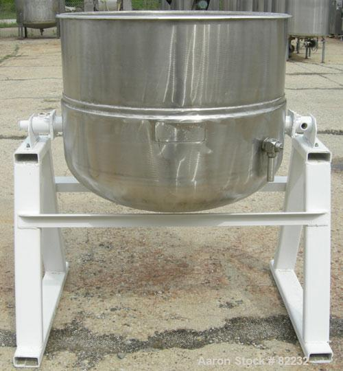 "USED: Welbilt kettle, 80 gallon, model KDL-80T, 304 stainless steel. 33"" diameter x 27"" deep. Open top with a cover, jackete..."