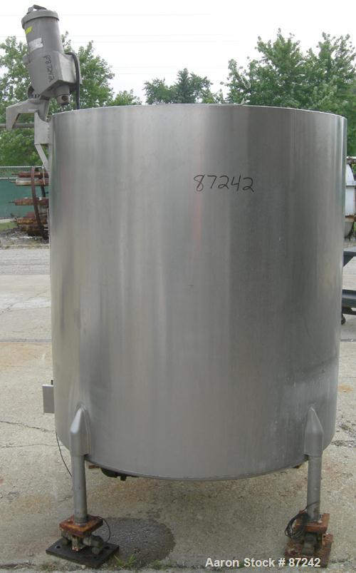 "USED- Will Flow Kettle, 528 Gallon, 304 Stainless Steel, Vertical. 50"" diameter x 56"" straight side. Open top, (2) 1/3 cover..."