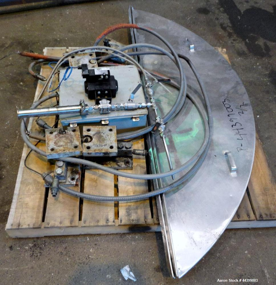 "Used- Will-Flow Kettle, 2000 Gallon, 316 Stainless Steel, Vertical. Approximate 80"" diameter x 90"" straight side, open top w..."