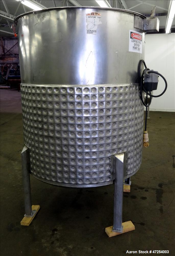 Used- Will Flow Corp kettle, Approximate 600 Gallon, 304 Stainless Steel, Vertic