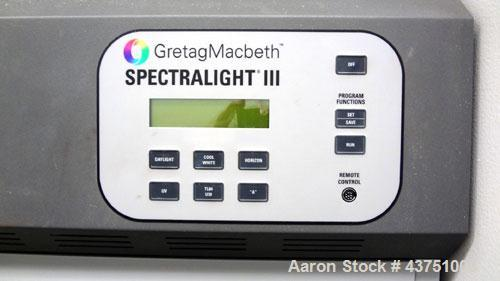 Used- GretagMacbeth SpectraLight III Color Viewing Booth, Model SPL-III. Designed to spot color differences. Simulated dayli...