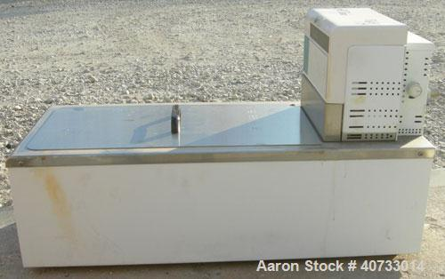 "Used-Neslab model EX-411 bath circulator, 5.8 gallon capacity, 316 stainless steel.  Bath work area 19 1/4"" long x 10"" wide ..."