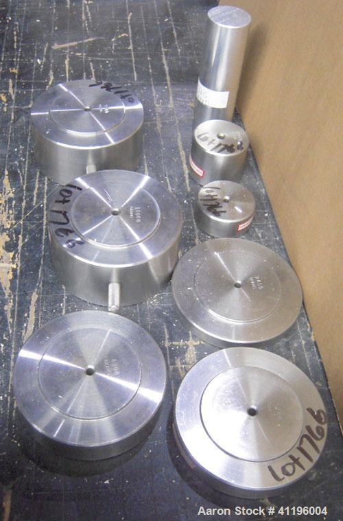 Used-Test Weight Set Consisting Of The Following Weighs:  2060 Gram, 1100 Gram, 2400 Gram, 3700 Gram, 9900 Gram, 10000 Gram,...