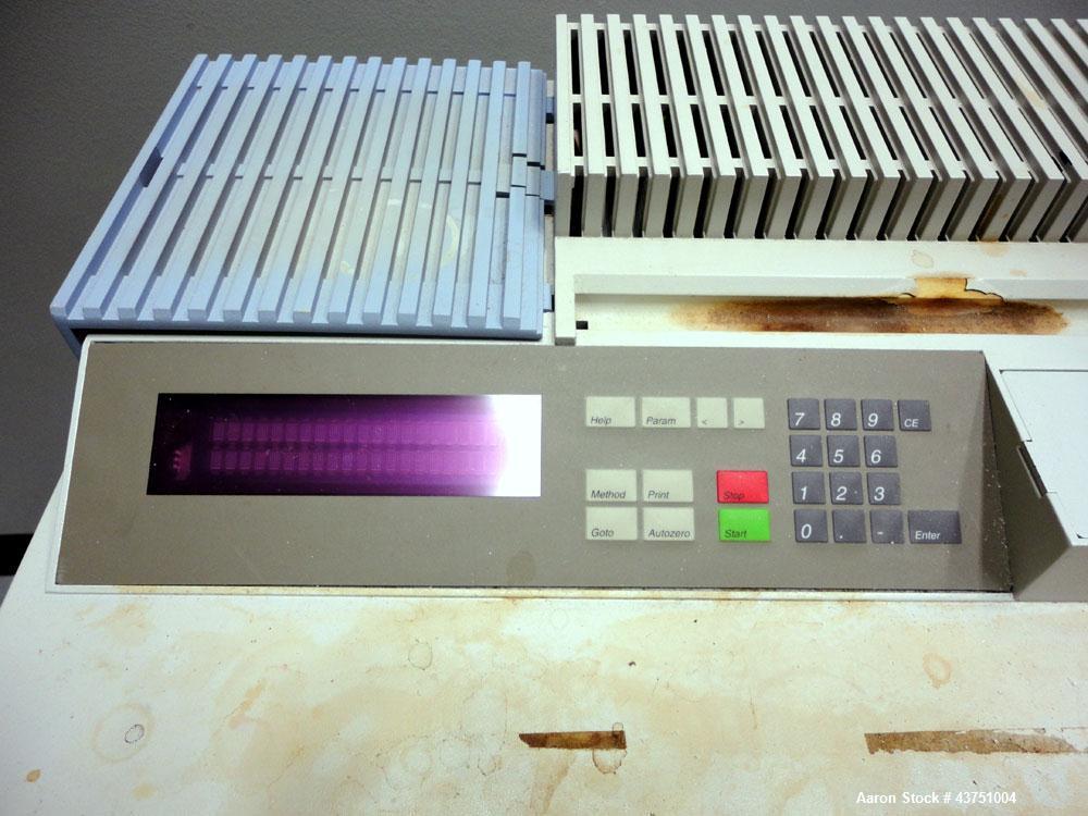 Used- Perkin Elmer Lambda 20 Spectrometer. Designed for routine UV/Vis analysis. Scanning double beam.