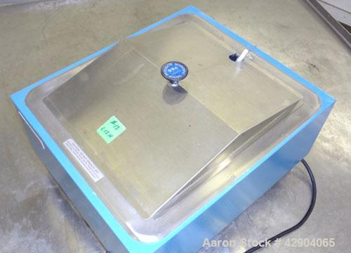 """Used- Precision Scientific Group Water Bath, Model 184, Stainless Steel. Approximate 12"""" wide x 14"""" long x 8"""" deep bath. Tem..."""