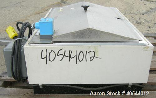 Used- Precision Scientific Water Bath, Model 186, 304 Stainless Steel. 16'' wide x 28'' long x approximately 6 1/2'' deep. T...