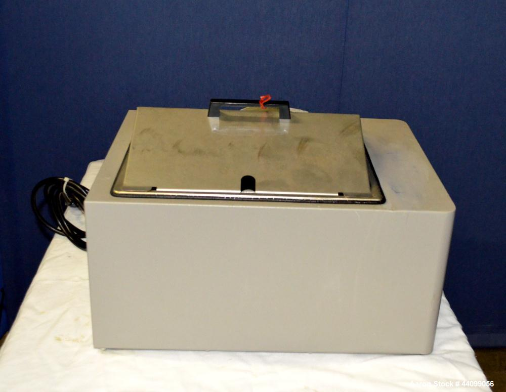 Used- VWR Water Bath, Model 1235
