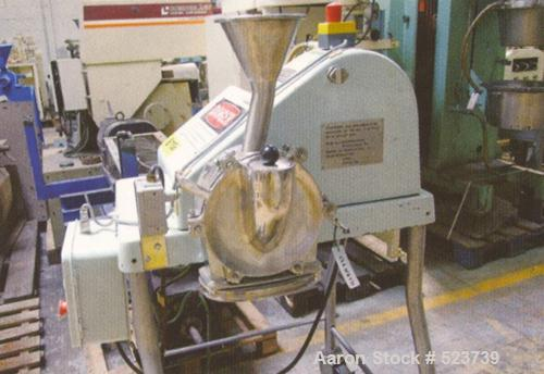 USED: Fitzmill type WD45JT. Diameter rotor 82 mm, 12 blades, 5 hp, mounted on car, 400V/3 ph/50 hz.