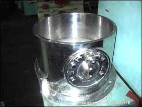 USED: Luwa Model Q400 Maumerizer. Stainless steel construction. 4 liter (40-120 liter/hr) working capacity. 3 hp explosion p...