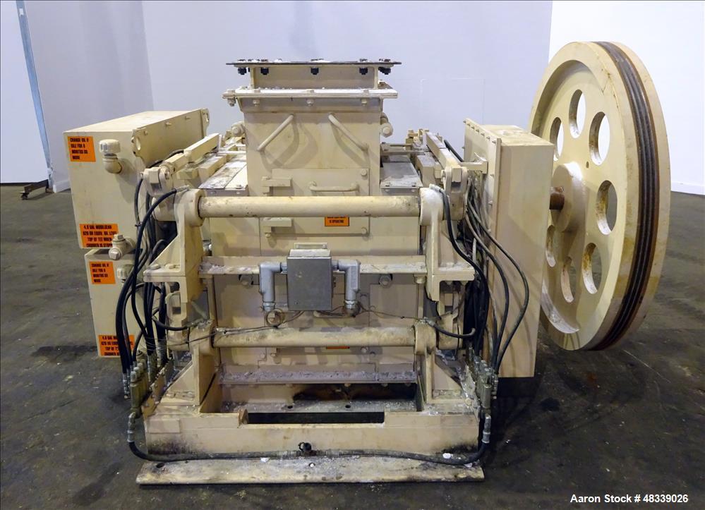 Used- Gundlach Heavy Duty Roll Crusher, Model 3020D, Carbon Steel.