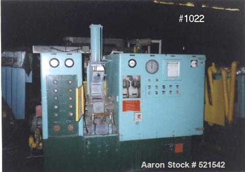 USED: Farrel model BR Banbury mixer rated 96 cu in volume, 2.67 lbbatch. Machine is a roller bearing type with hand operated...