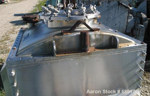 USED: Day double arm mixer, split level design, 150 gallon working, 235 total. 304 stainless steel insulated and jacketed bo...