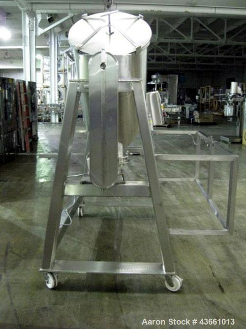 Used- Bush Tank Fab Twin Shell Blender. 316 Stainless steel construction, rated 70#/cu ft max material density, provision fo...