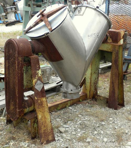 Used- Patterson Kelley Twin Shell Dry Blender, 5 Cubic Feet, 304 Stainless Steel. Maximum material density 65 pounds per cub...