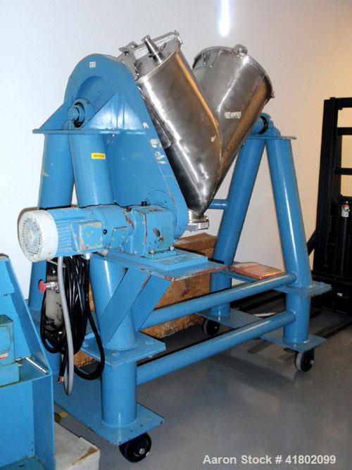 Used- Patterson Kelly Twin Shell Blender, 5 Cubic Feet Capacity, Stainless Steel. Maximum material density 250 pounds per cu...