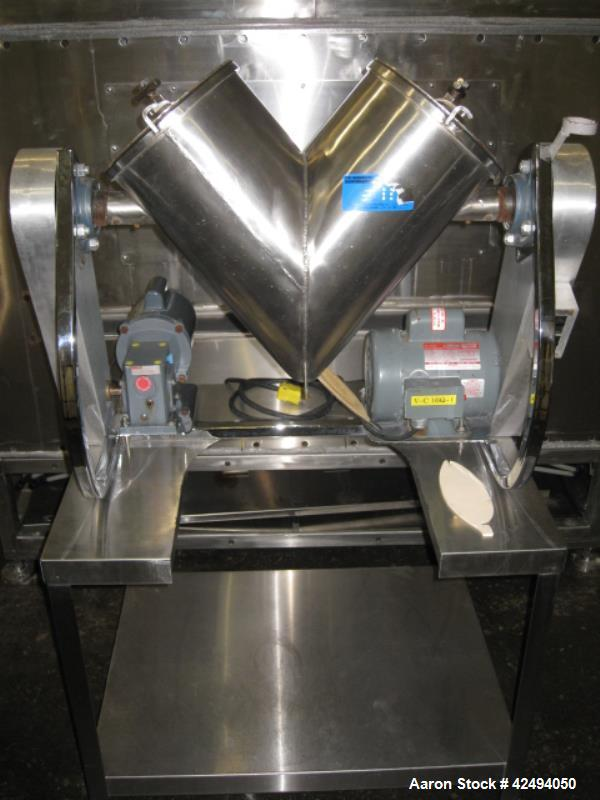 Used- Patterson Kelley 16 quart twin shell blender, stainless steel construction, 125#/ cu ft max material density, liquid s...