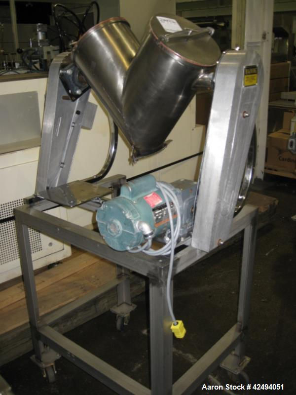 Used- Stainless Steel Patterson Kelley 16 quart twin shell blender