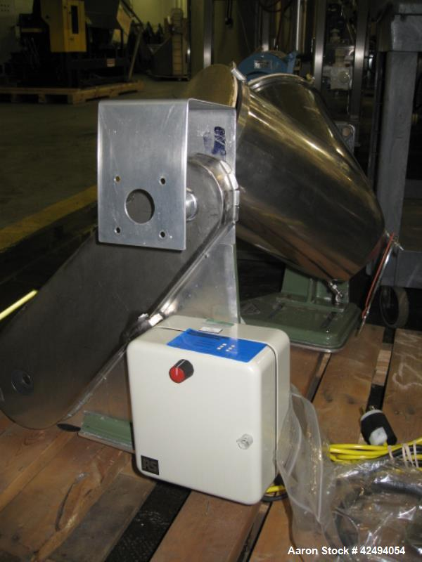 Used- Stainless Steel Patterson Kelley 8 quart twin shell blender
