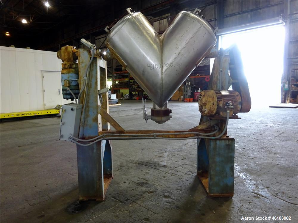 Used- Twin Shell Blender, Approximate 20 Cubic Feet, 304 Stainless Steel.